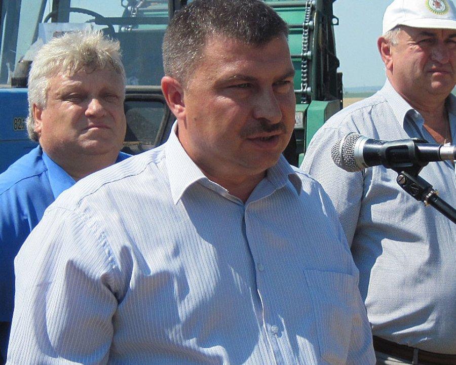 Президент Путин наградил медалью брянского фермера Василия Клюенкова