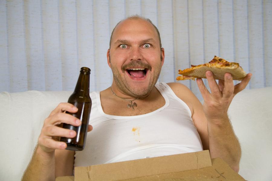 Брянец пошел провожать новую знакомую из пиццерии и украл у нее 8 тыс. рублей