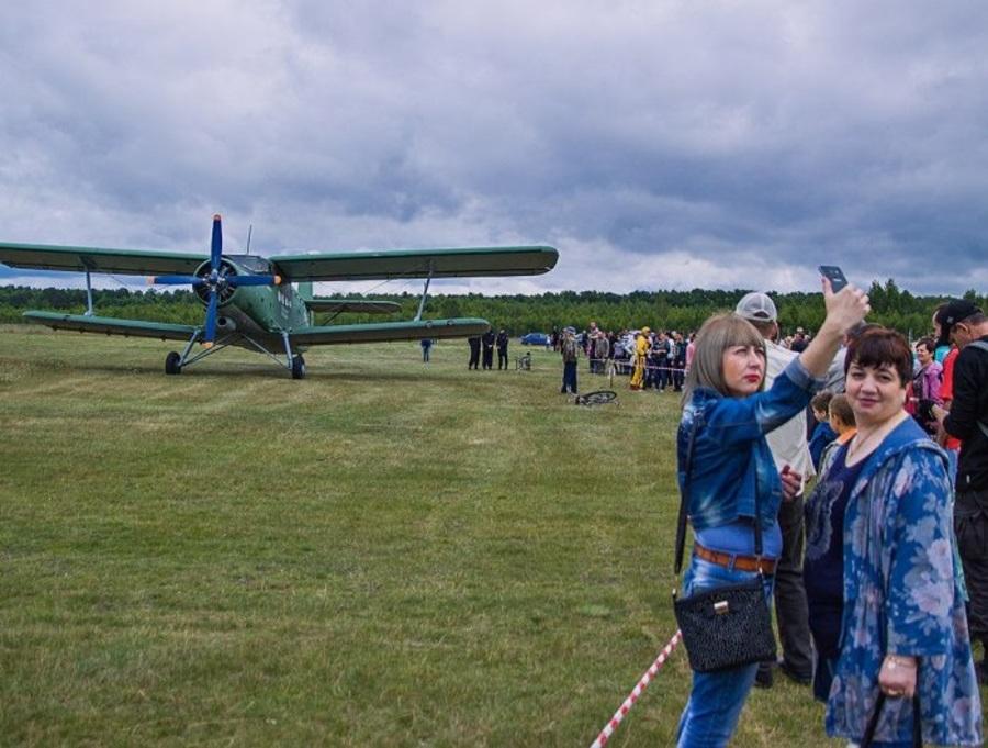 В Брянске в честь легендарного летчика Камозина пройдет воздушный праздник