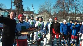 Жуковские хоккеисты поздравили губернатора и попросили ледовый дворец