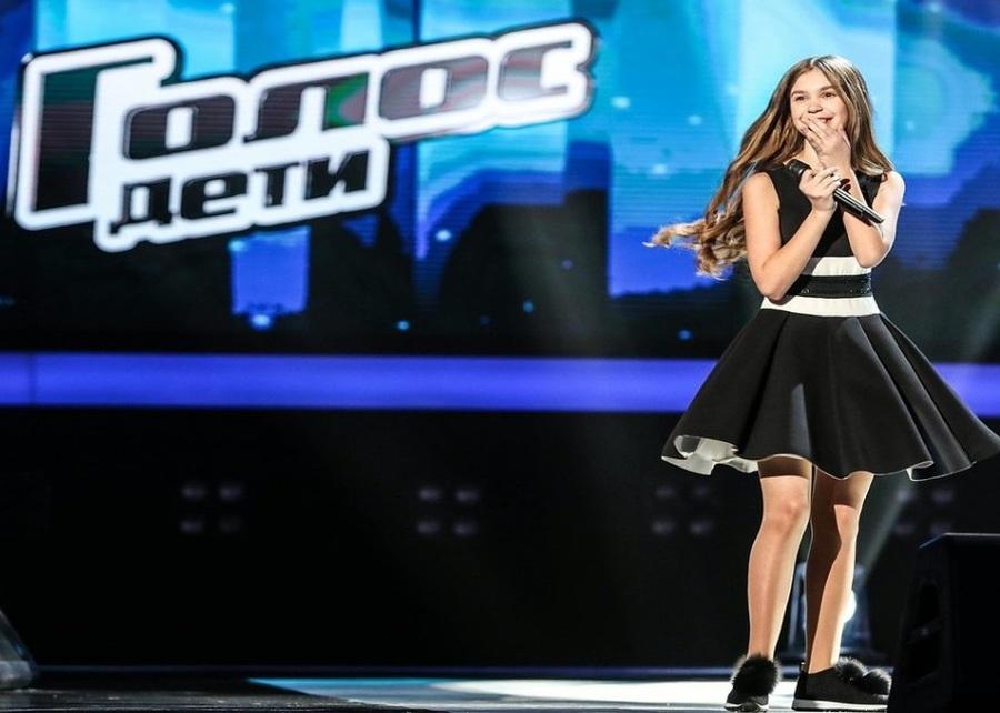 В финале проекта «Голос» брянцы смогут поддержать певицу Настю Гладилину