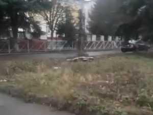 В Брянске коррекционную школу №5 замуровали забором