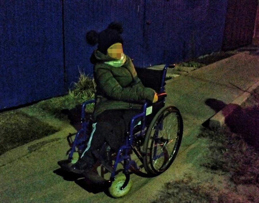 В Брянске наглый водитель унизил девочку на инвалидной коляске