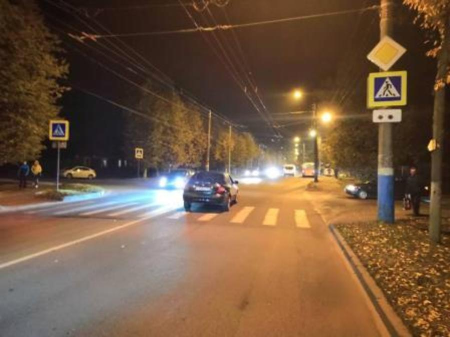 В Брянске водитель иномарки сбил на «зебре» 50-летнюю женщину