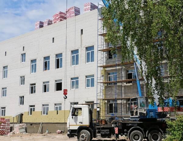 Губернатор Брянской области Александр Богомаз проинспектировал главные стройки города