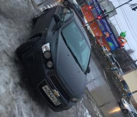 В Брянске оштрафовали припарковавшуюся на тротуаре автоледи