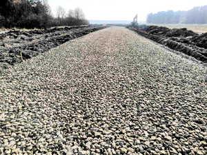 В брянском посёлке Дарковичи строят дорогу с твёрдым покрытием