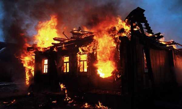 В Почепском районе сгорел дом