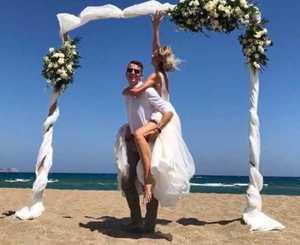 Брянский прыгун в высоту Илья Иванюк сыграл в Греции свадьбу