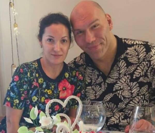 Рассказал о подарке от жены на фарфоровую свадьбу брянский депутат Валуев