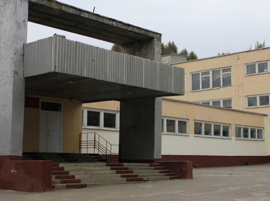 В Брянске в школе №60 из-за газового баллончика пострадали 4 ученика