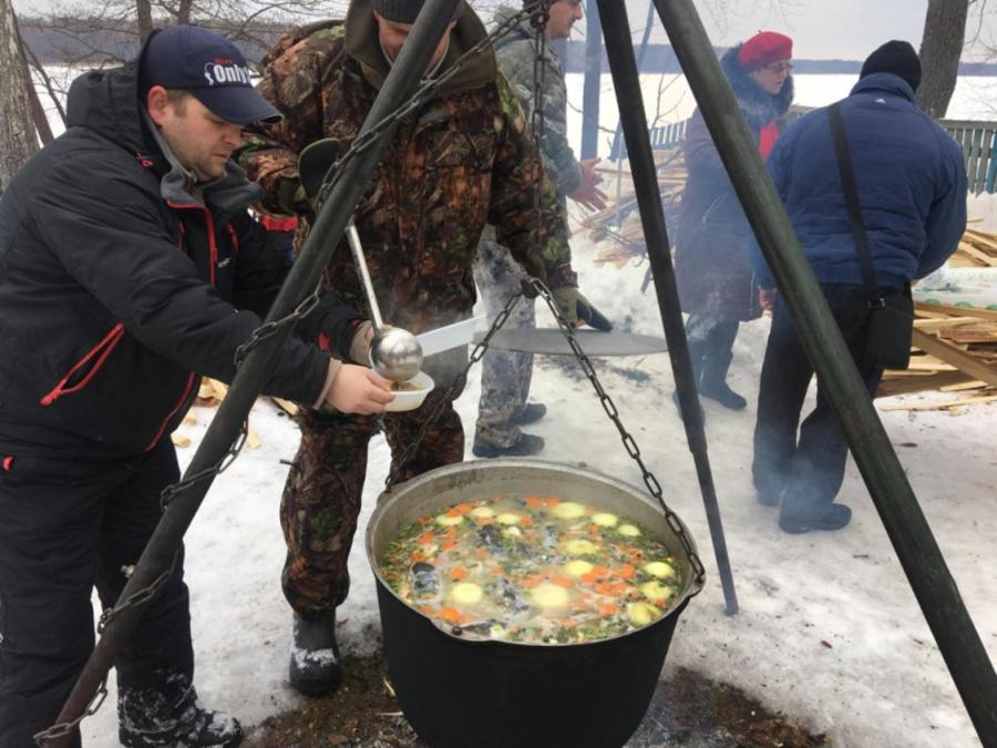В Брянске активисты ОНФ провели акцию «Уха на всю страну»