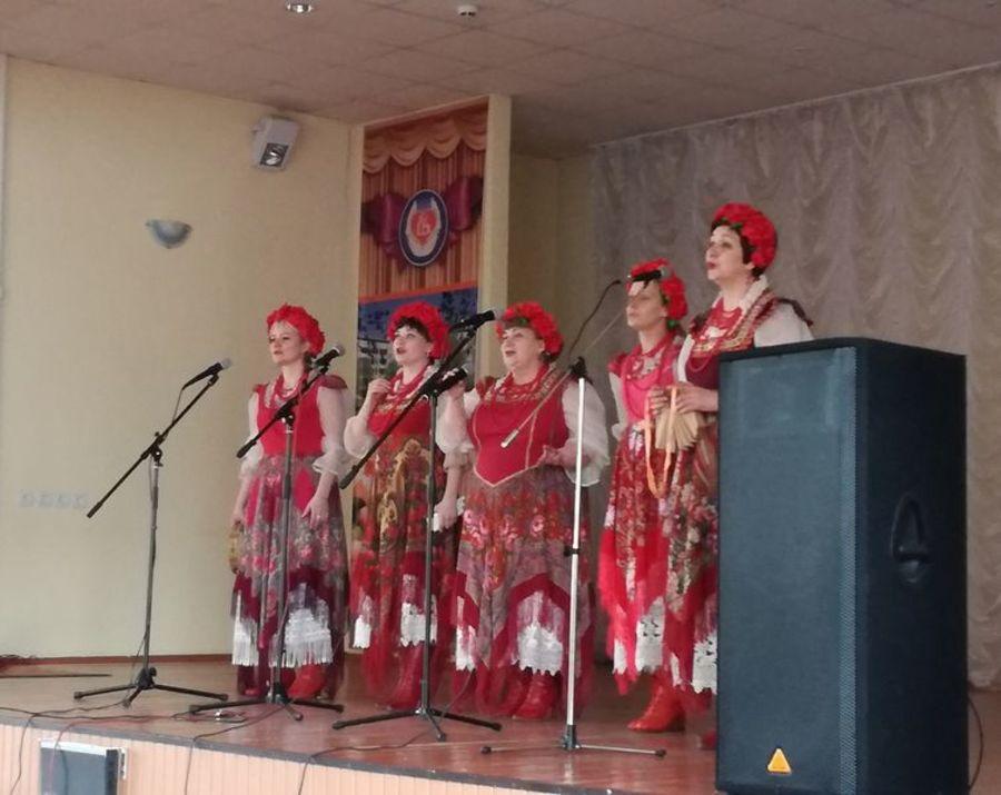 В Брянске провели концерт для пожилых людей и инвалидов