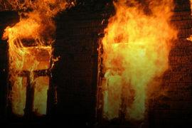 В брянском селе пожарные час тушили жилой дом