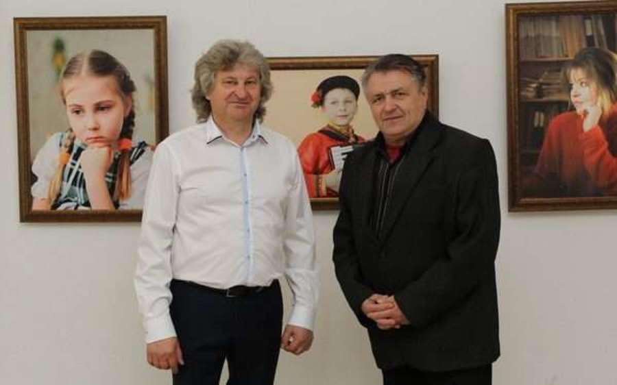 В Брянске открылась фотовыставка педагога Валерия Шведова