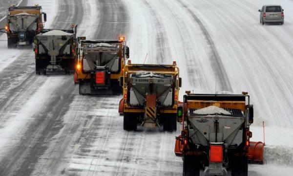 Жители Брянска пожаловались на заметенные снегом дороги