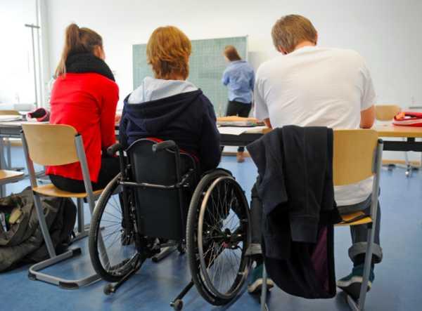 В Брянске для детей-инвалидов подыщут личных ассистентов