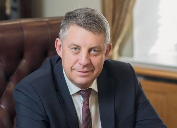 Брянских работников автотранспорта поздравил губернатор