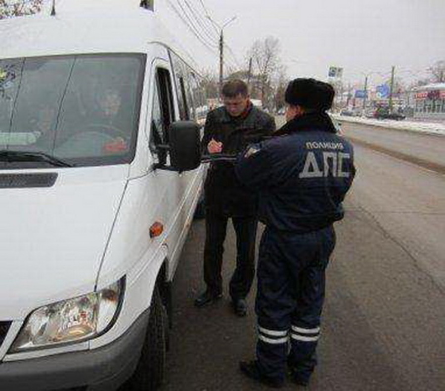В Брянске с начала года на нарушениях попались почти 400 маршрутчиков