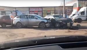 Под Брянском сняли на видео страшное ДТП с двумя автомобилями