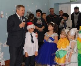 В Новозыбковском районе к детям пришёл новогодний праздник