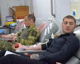 Брянцев приглашают поделиться кровью на площади Ленина