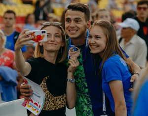 Брянский легкоатлет Илья Иванюк завоевал «бронзу» чемпионата России