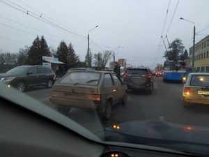 В Брянске сняли на фото внушительную пробку из-за массового ДТП