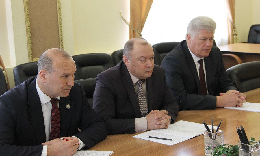 Правительство Брянской области активно поддерживает ФК «Динамо-Брянск»