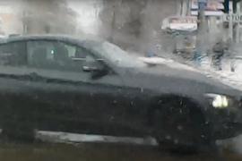 В Брянске сняли на видео безумный маневр автоледи