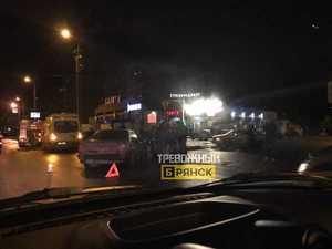 В Брянске в серьезное ДТП угодила машина такси
