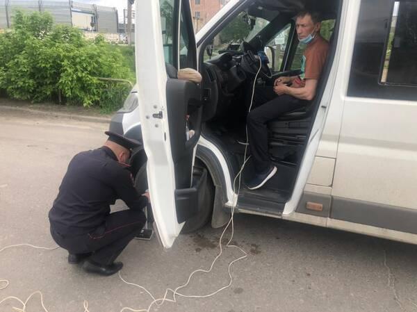 В Брянске за два дня за нарушения задержали 100 водителей автобусов