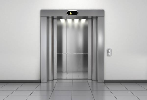 В больницах Брянской области устанавливают новые лифты