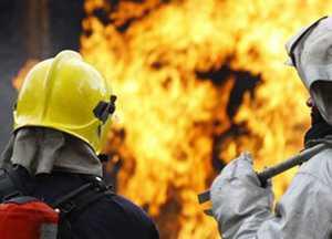 В брянском посёлке Дубровка час тушили горящий жилой дом