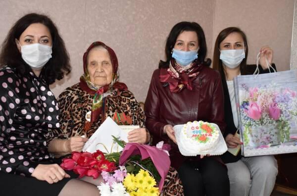 Президент Путин поздравил брянскую пенсионерку со 100-летием