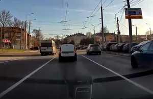 В Брянске маршрутчика-лихача на Полтиннике сняли на видео