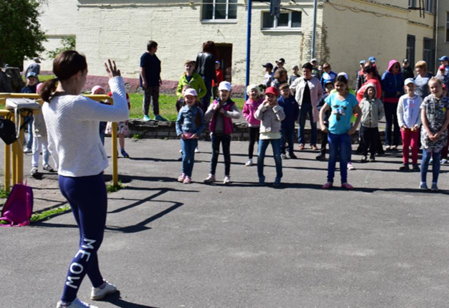 Спортивный праздник «Крепкая семья» прошел в Брянске