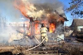 Под Брянском в деревне Глаженке сгорела дача