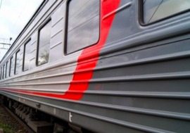 Поезд «Льгов - Брянск - Москва» столкнулся с легковушкой на переезде