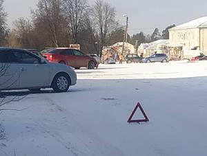 В Локте столкнулись две легковушки на площади Ленина