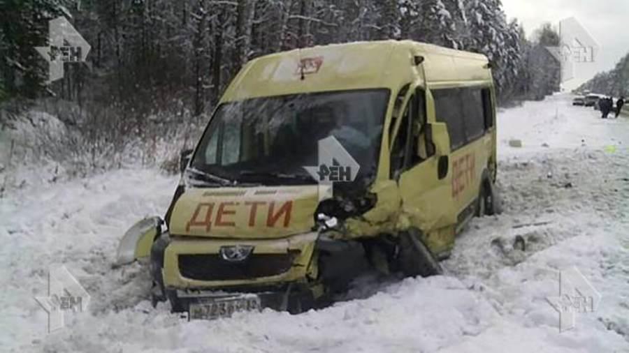 Брянский микроавтобус попал в страшное дтп под калугой