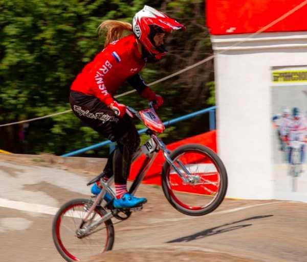 Брянская велогонщица Капитанова победила на этапе Кубка России