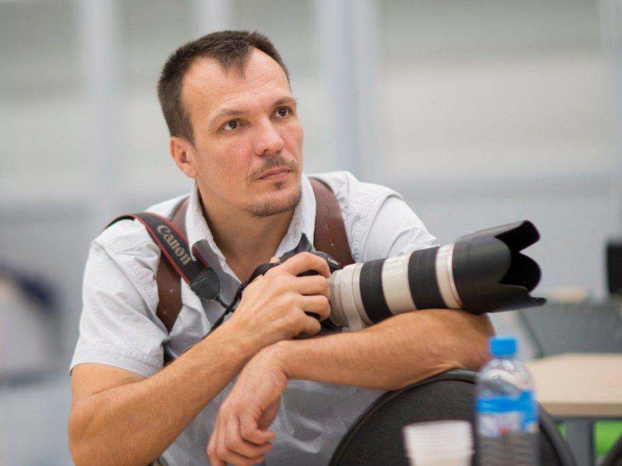 В Брянске фотограф Жучков разрушил свой бизнес ударом ноги