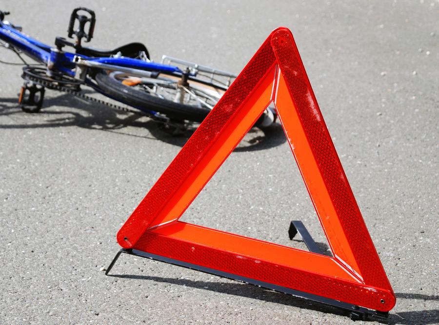 В Брянске в грузовик врезался 9-летний велосипедист