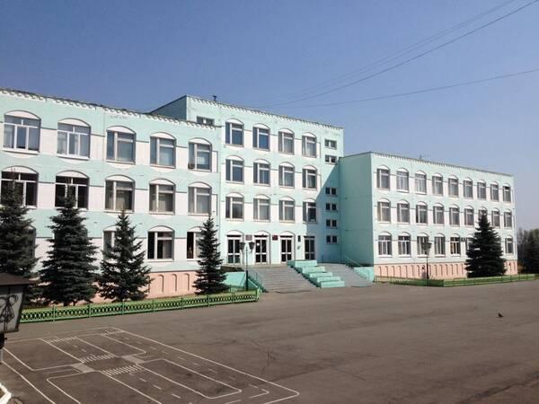 Провели санитарную обработку в брянской гимназии №3 из-за коронавируса